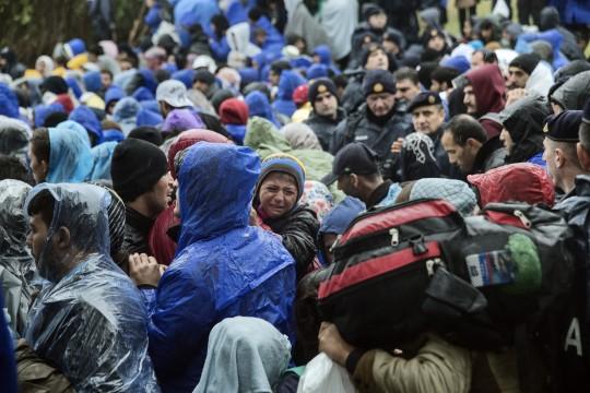 Las decisiones de los Estados europeos sobre el cierre de sus fronteras afectan de inmediato a miles de personas.