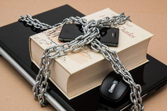 Censura y libertad de expresión. Imagen de Steve Buissinne en Pixabay
