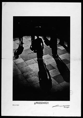 Foto-cartel de la tumba de José Antonio Primo de Rivera, 1940.