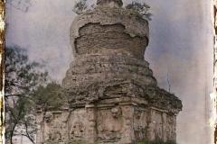 Chine, Moukden, Un tombeau