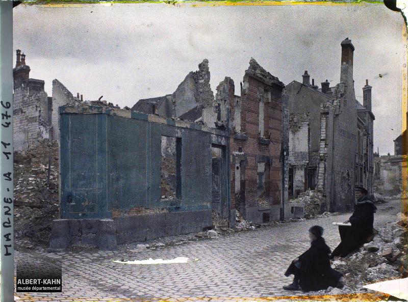 France, Reims, Rue de l'Isle C eme jour