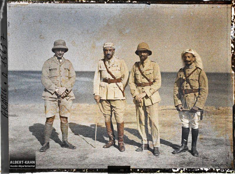 Arabie, Yambo, Mahmoud Bey, ministre de la guerre du Hedjaz et Commandant Cousse