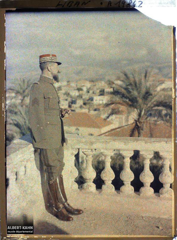 Syrie, Beyrouth, Général Gouraud sur la terrasse de son Hôtel, Syrie, Beyrouth, Le Général Gouraud sur la terrasse de son Hôtel