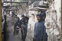 France, Les Gourbis des artilleurs creusés dans le rocher à St Claude