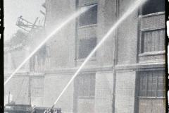 France, Dunkerque, Bombardement des 2 - 3 - Septe - Entrepôt de laines