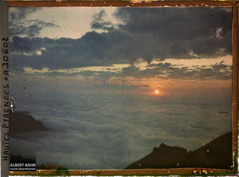 France, Le Coucher de Soleil sur la mer de nuages