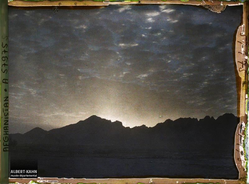 Afghanistan, Tazi, Lever du Soleil sur la Chaîne de Tazi