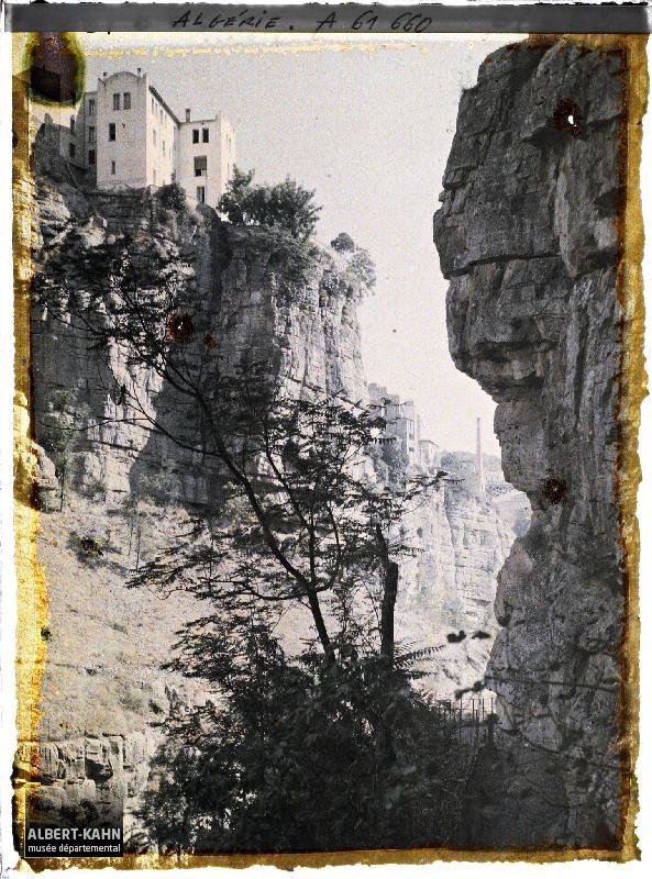 Algérie, Constantine, Au fond des gorges, Paysage