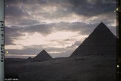 Egypte, Le Caire, Soleil couchant derrière les Pyramides