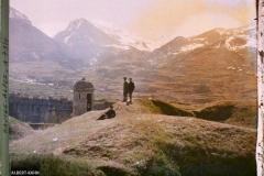 France, Mont Dauphin, La Coupure du Guil, Guillestre et la montagne de Combe Chaume. 3 Serbes au 1er plan le Col de Vars sur