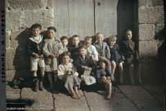 Espagne, La Corogne, Bande de gosses dont des blonds aux yeux bleus