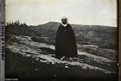 Portrait d'un marocain, Maroc, décembre 1912-janvier 1913, (Autochrome, 9 x 12 cm), Stéphane Passet, Département des Hauts-de-Seine, musée Albert-Kahn, Archives de la Planète, A 70 141
