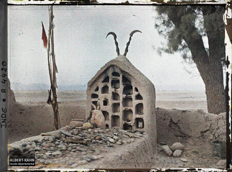 Indes, Peshawar, Tombeau Musulman