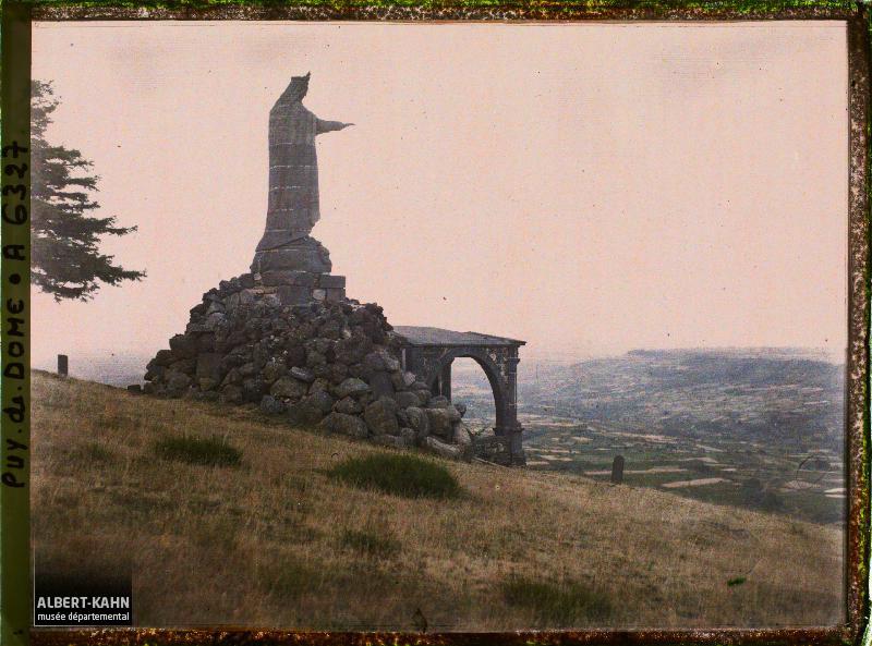France, Volvic, Vierge de Volvic