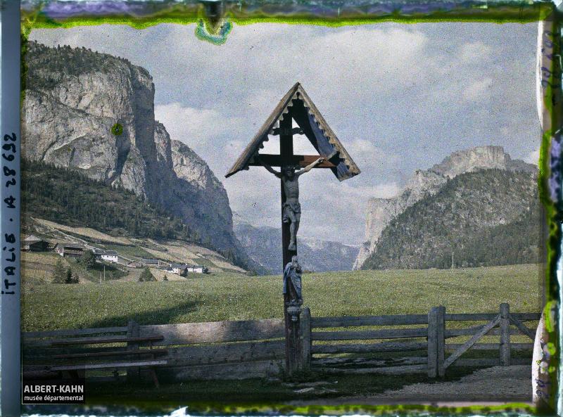 Tyrol, Wolkenstein, Christ à l'entrée de la Langethal
