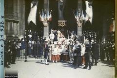 France, Paris, Cérémonial des Fetes de Jeanne d'Arc, Les abords de l'Eglise pendant la Cérémonie (Scènes diverses)