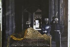 Turquie, Constantinople , Fête de l'investiture du Calife, le trône du Sultan Selim 1er découvert