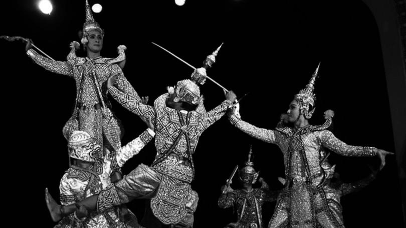 Espectáculo de baile tradicional tailandés