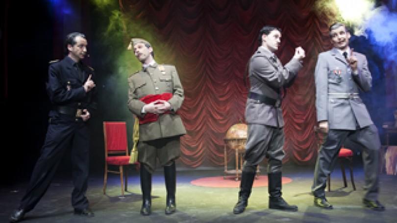 Hendaya: cuando Adolfo encontró a Paco, de Pepe Macías y Carla Guimarães | Ribalta Producciones (Murcia)