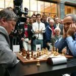 Ajedrez   Partidas simultáneas con Karpov