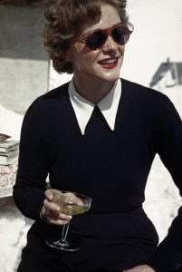 [Woman at an ice bar, Zurs, Austria], 1949—1950.