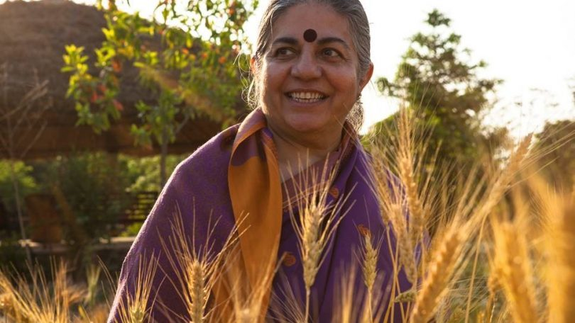 Vandana Shiva. Earth Democracy #Yomequedoencasa