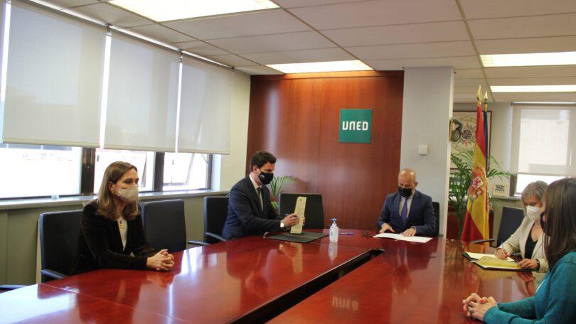 La UNED y el Círculo de Bellas Artes firman un convenio de colaboración en torno a la estrategia I+D+C